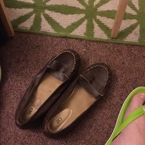 Like new brown loafers
